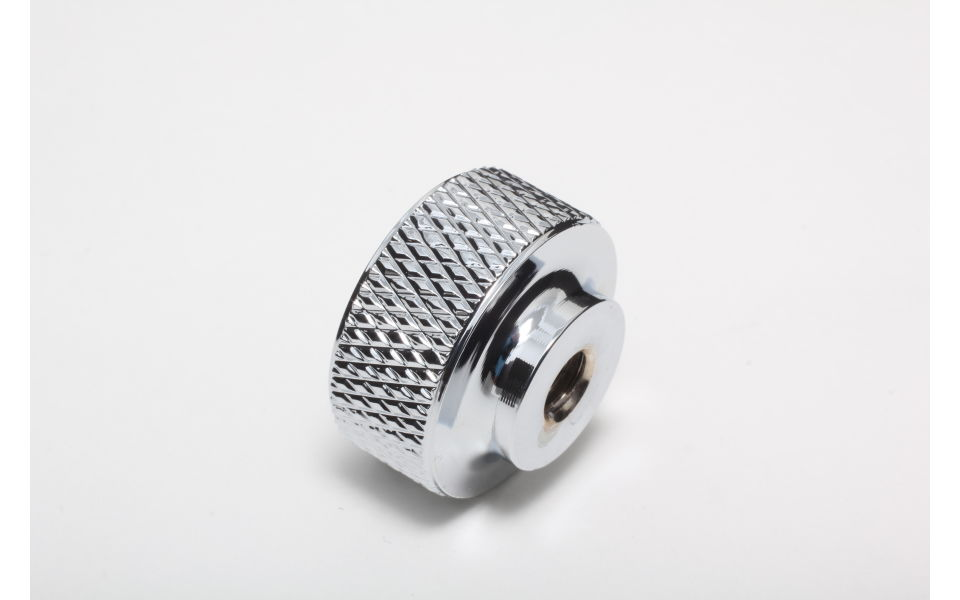 Bottom view of Knurled air cleaner hold down nut